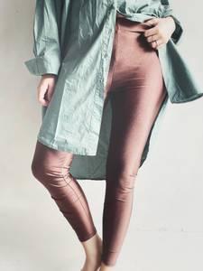 Bilde av Coffee - Gaya Glossy Leggings